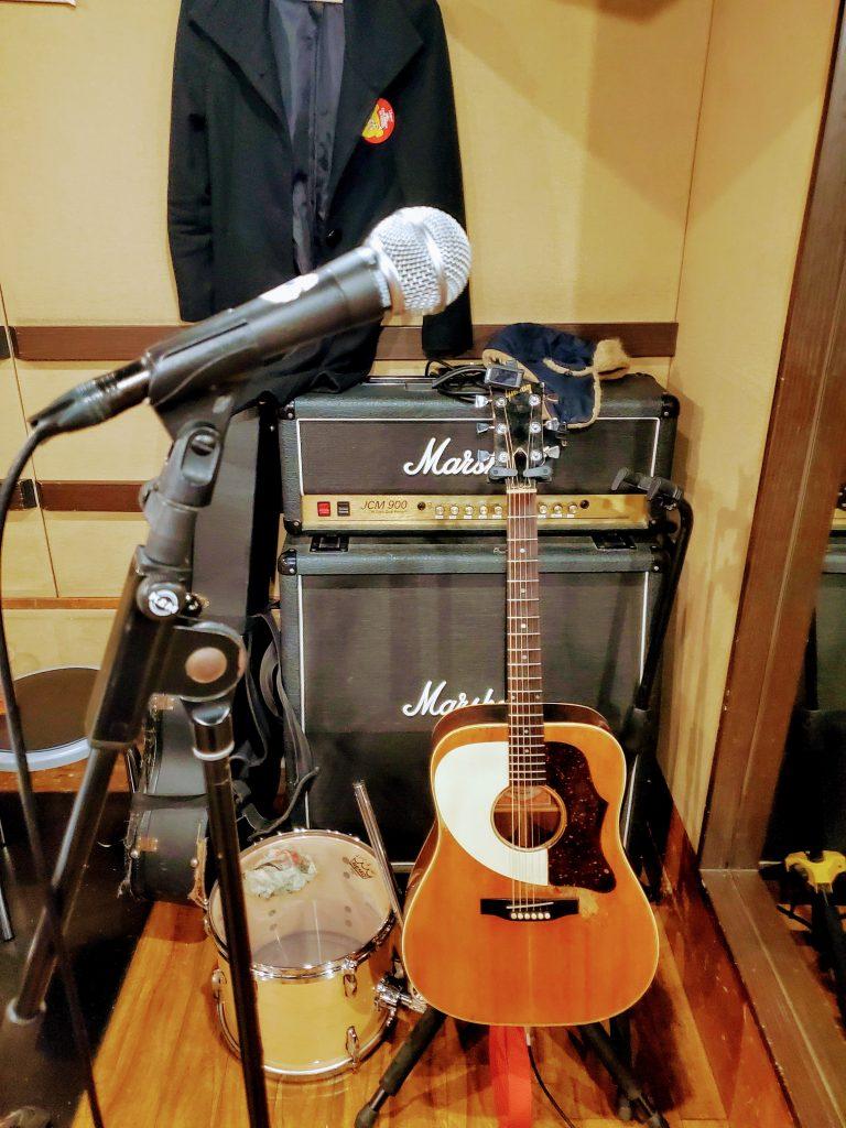 村男のギター